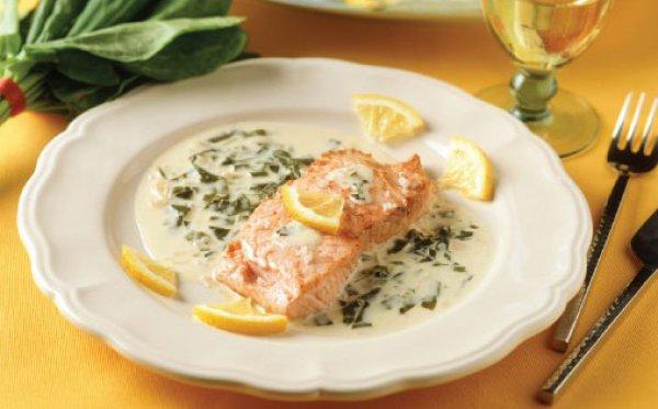 Соус из щавеля хорошо подходит к рыбным блюдам
