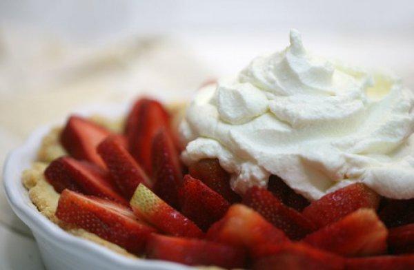 Рецепт                  Тартинка с клубникой и взбитыми сливками
