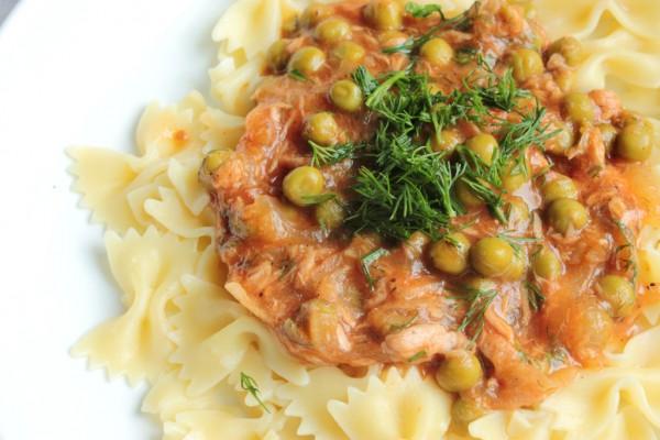 Рецепт                  Паста с тунцом и зеленым горошком