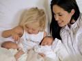 Двойняшкам Джоли и Питта восемь: смотри, как менялись звездные дети