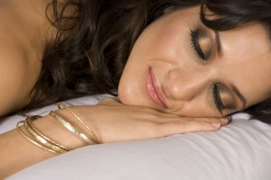 Сон на животе - самая неудачная поза для сна