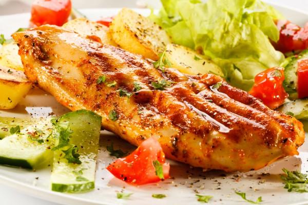Рецепт                  Запеченная куриная грудка с картофелем