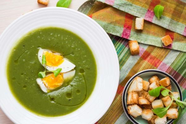 Рецепт                  Зеленый суп с яйцом и гренками