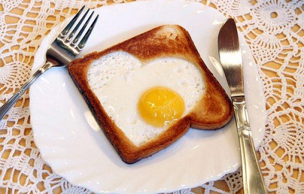 Рецепт                  Яичное сердечко в хлебе