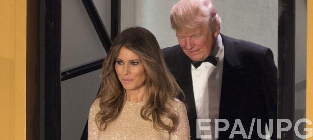Вся в золоте: Мелания Трамп подчеркнула сексуальные формы на званом ужине