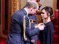 Виктория Бекхэм получила орден Британской империи из рук принца Уильяма