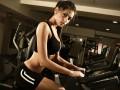 Необычная тренировка в спортзале: Упражнения для ягодиц (ВИДЕО)