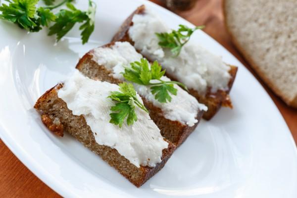Рецепт                  Закуска из сала с чесноком