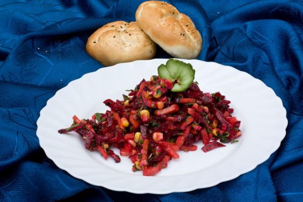 Рецепт                  Постный салат из свеклы с кукурузой