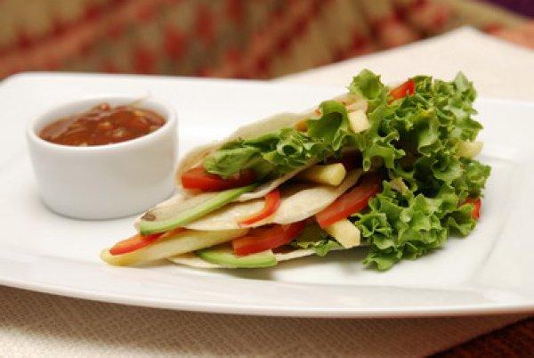 Рецепт                  Вегетарианский сэндвич с овощами и картофелем фри