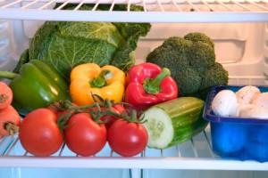 Помидоры, лук и картофель желательно не хранить в холодильнике
