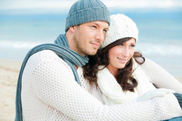 Влюбленность - это взгляд друг на друга,любовь - взгляд в одну сторону