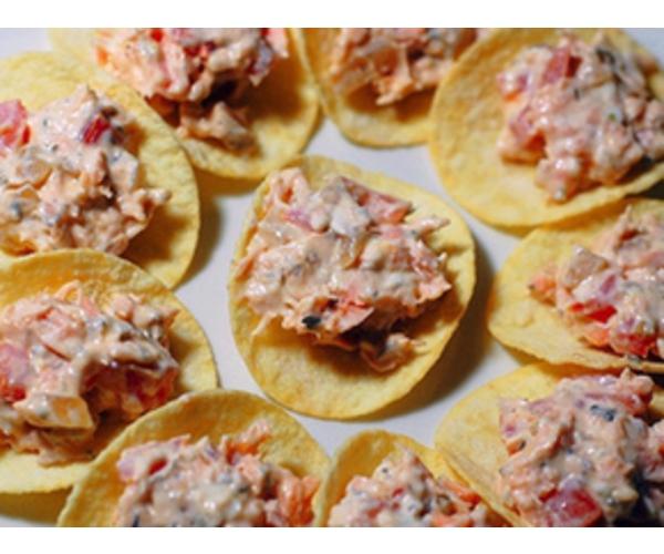 Рецепт                  Морской салат на чипсах