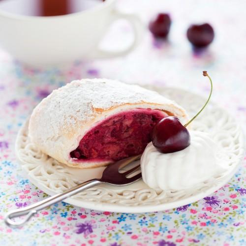 Рецепт                  Рецепты на День Валентина: Вишнево-миндальный штрудель