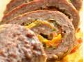 Мясной рулет с болгарским перцем и сыром