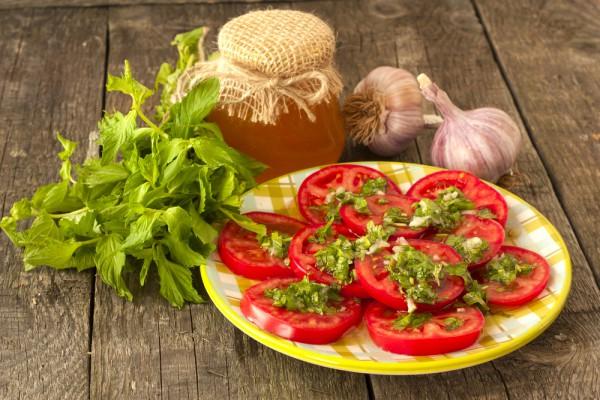 Рецепт                  Салат из помидоров с мятой