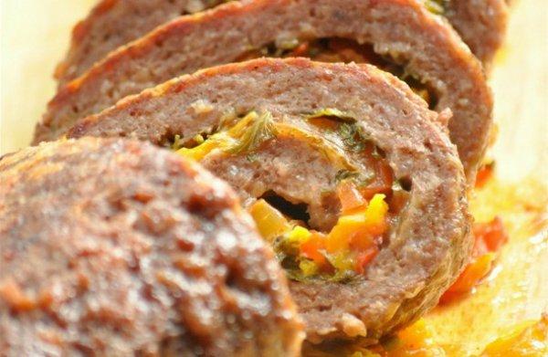 Рецепт                  Мясной рулет с болгарским перцем и сыром