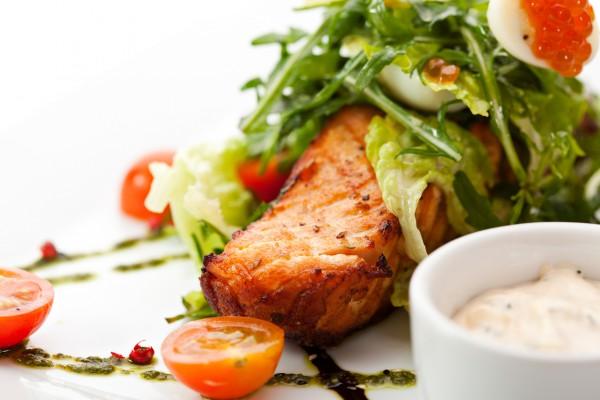 Рецепт                  Жареный лосось с соусом тартар