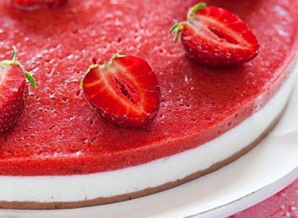 Рецепт                  Йогуртовый торт с клубникой