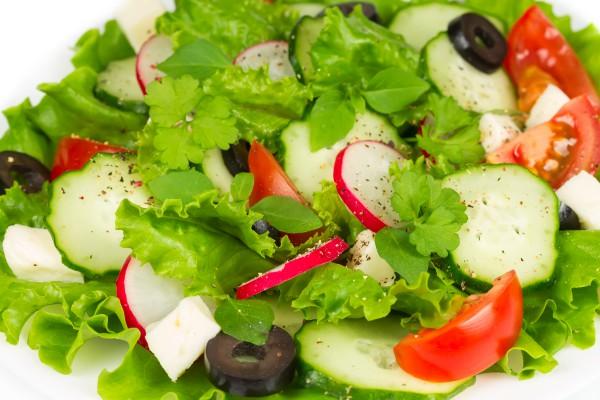 Салаты овощные с маслинами 5