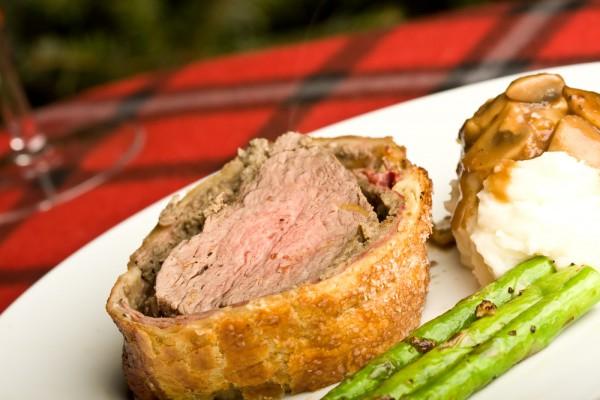 Рецепт                  Новогодние рецепты: Мясо в тесте с грибами