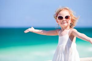 Защищай кожу и глаза ребенка от вредного воздействия ультрафиолетовых лучей