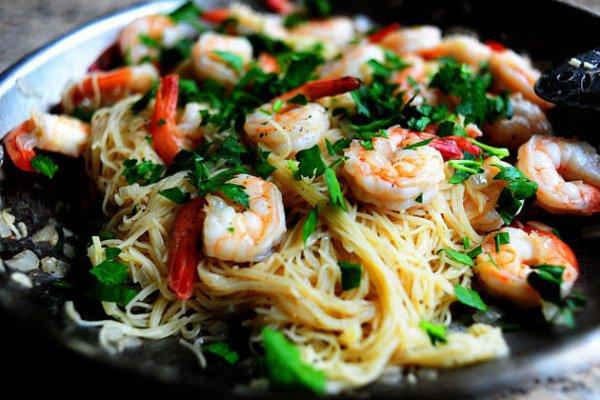 Рецепт                  Спагетти с креветками и чесноком