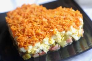 Приготовь любимому человеку этот салат и подари ему массу приятных эмоций