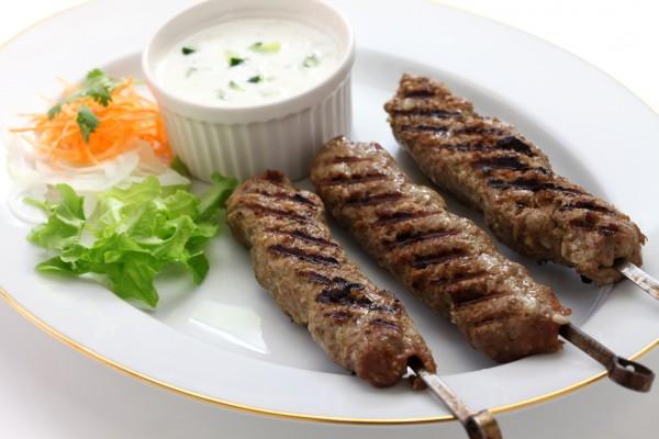 Рецепт                  Люля-кебаб с йогуртовым соусом