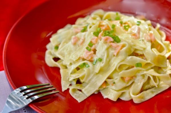 Рецепт                  Паста с копченым лососем
