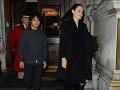 Анджелина Джоли с сыном посетили Букингемский дворец