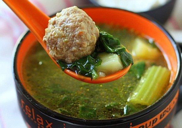 Рецепт                  Картофельный суп с фрикадельками и шпинатом