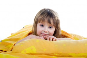 Если ребенок плохо спит днем, возможно, ему мешает посторонний шум в помещении
