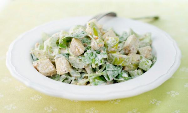 Рецепт                  Салат из яблок, орехов и шпината