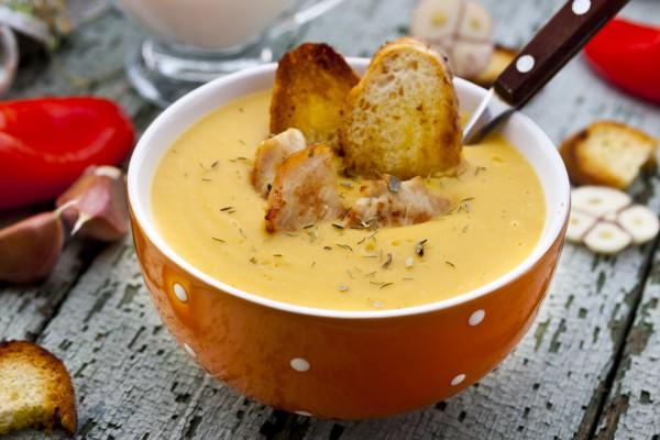 Рецепт                  Зимний суп с курицей и гренками