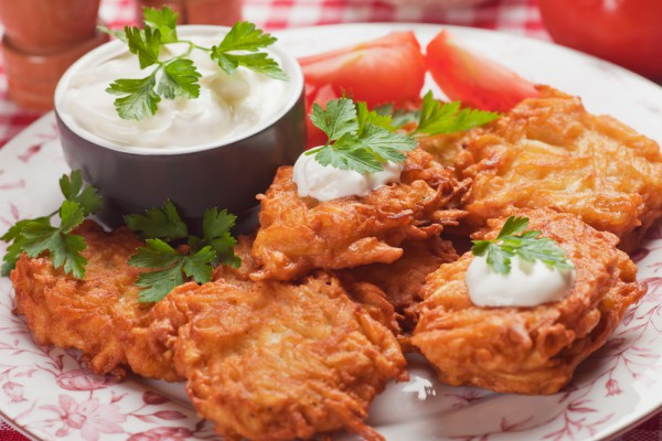 Рецепт                  Деруны с салатом из сельди