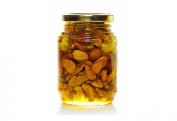 Рецепт                  Орехи в меду
