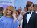 Соцсети о двойне Пугачевой: Галкин будет менять подгузники еще и детям