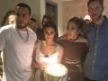 Лопес отметила свой день рождения вечеринкой в компании экс-парня Свифт