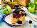 Яблочный пирог с ежевикой