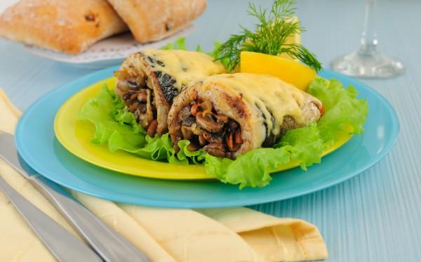 Рецепт                  Рыбный рулет с грибами и сыром