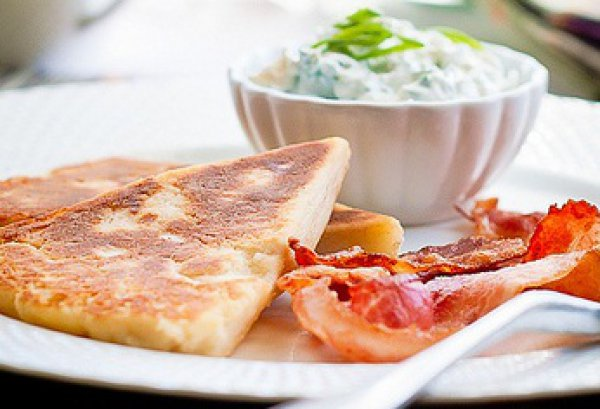 Рецепт                  Сытный завтрак: Ирландские картофельные сконы