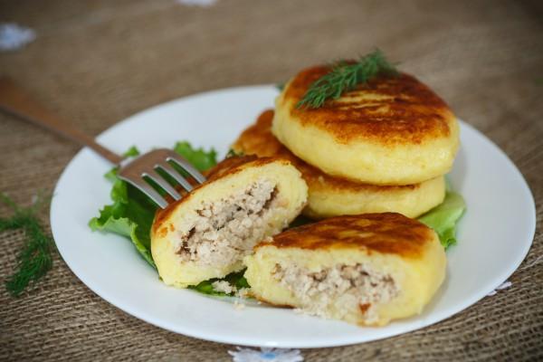 Рецепт                  Картофельные зразы с курицей и сыром