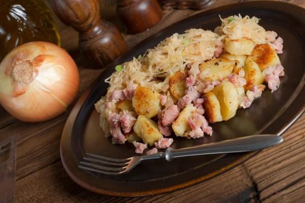 Рецепт                  Октоберфест: Картофельные клецки с грудинкой и кислой капустой