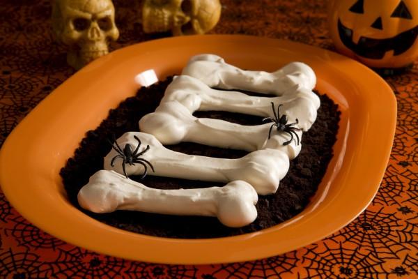 Рецепт                  Рецепт на Хэллоуин: Кости из безе