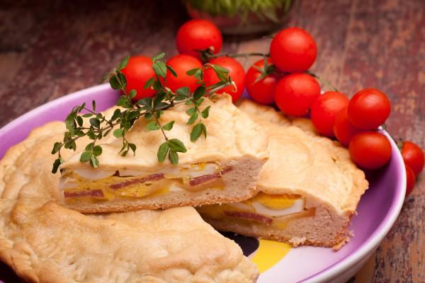 Рецепт                  Пасхальный пирог с ветчиной и яйцом