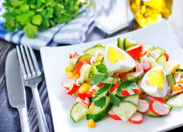 Рецепт                  Рецепты на Новый год: Салат из крабовых палочек