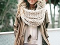 Зимние образы с шарфами: Street style