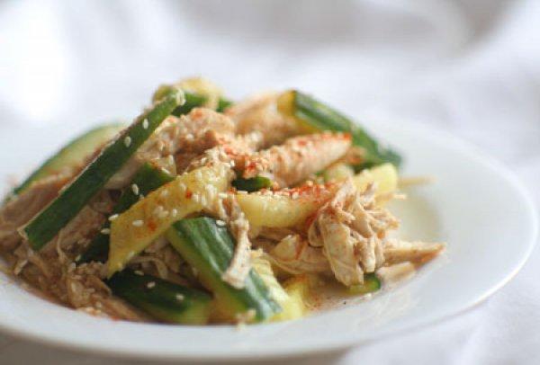 Рецепт                  Салат из огурцов и курицы