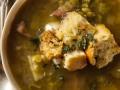 Как приготовить гороховый суп с сухариками